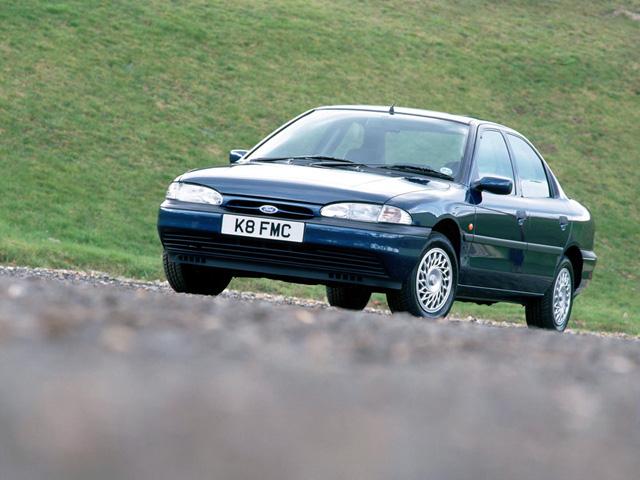 Лобовое, боковое, заднее автостекло Ford Mondeo I в Уфе. 89196022100