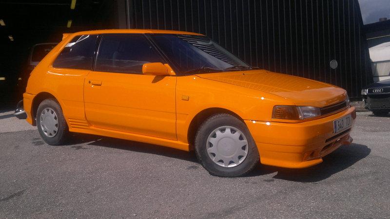 Лобовое, боковое, заднее автостекло Mazda 323 в Уфе. 89196022100