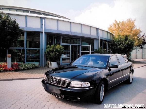 Лобовое, боковое, заднее автостекло Audi A8 в Уфе.