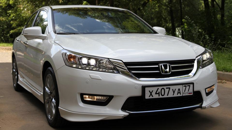 Продажа и замена автостекол Honda Accord IX 4D Sed 2013-. Лобовое стекло Honda Accord IX 4D Sed 2013-, боковое стекло Honda Accord IX 4D Sed 2013-, заднее автостекло Honda Accord IX 4D Sed 2013-. 89196022100