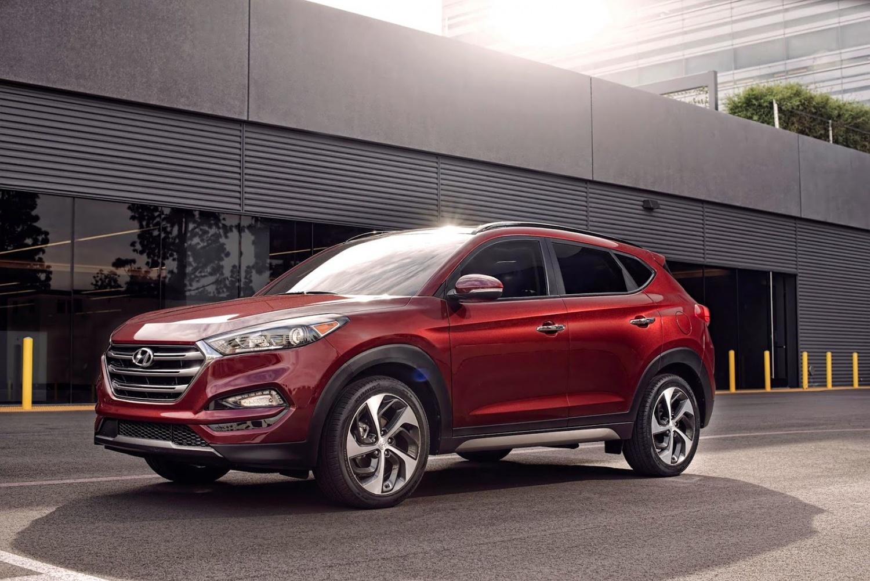 Продажа и замена автостекол Hyundai Tucson 2015. Лобовое стекло Hyundai Tucson 2015, боковое стекло Hyundai Tucson 2015, заднее автостекло Hyundai Tucson 2015. 89196022100