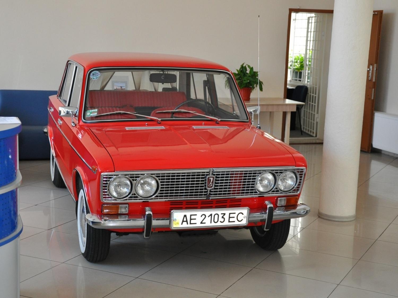 Продажа и замена заднего правого стекла ВАЗ-2103