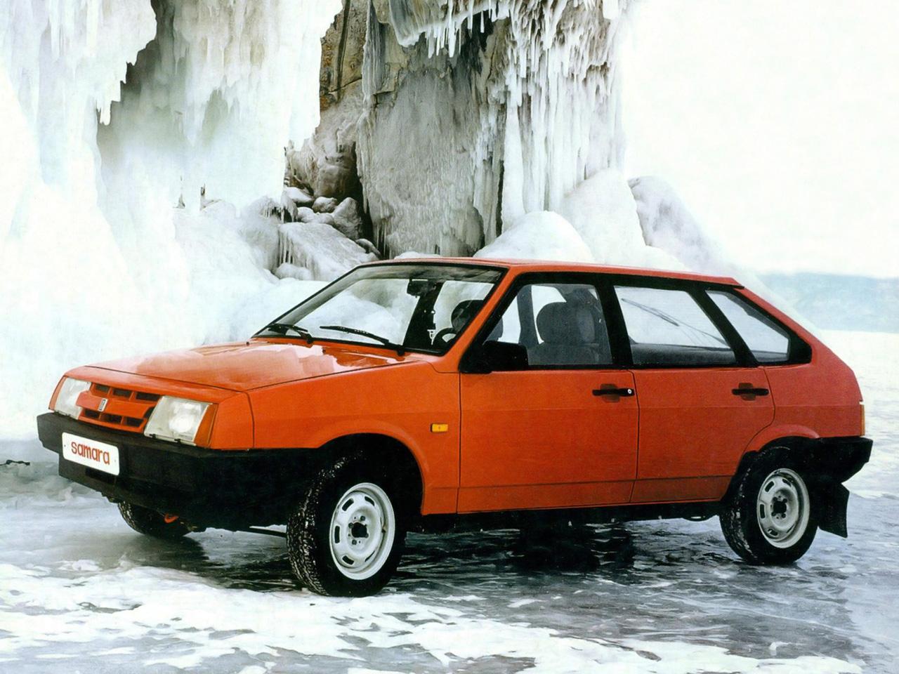 Продажа и замена переднего правого стекла ВАЗ-2109