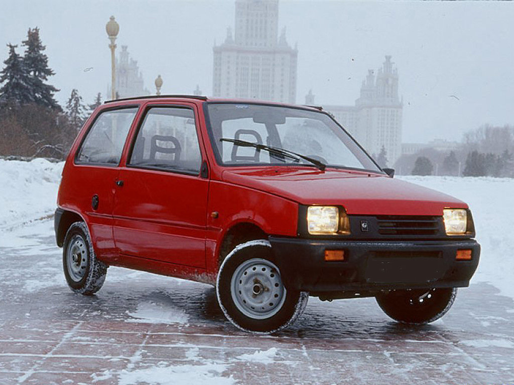 """Продажа и замена переднего правого стекла ВАЗ-1111 """"Ока""""."""