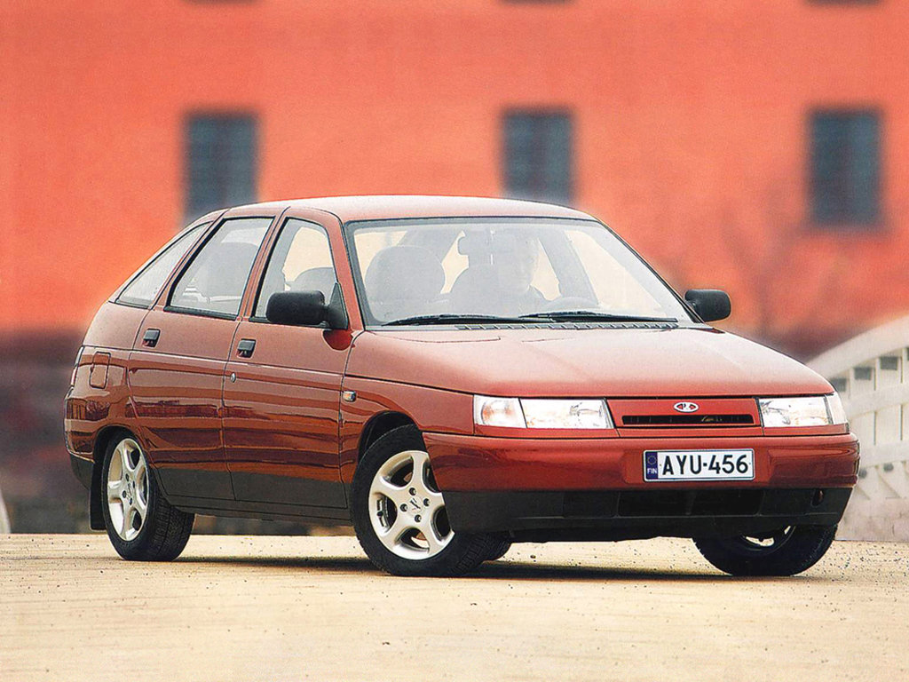 Продажа и замена заднего правого стекла ВАЗ-2112