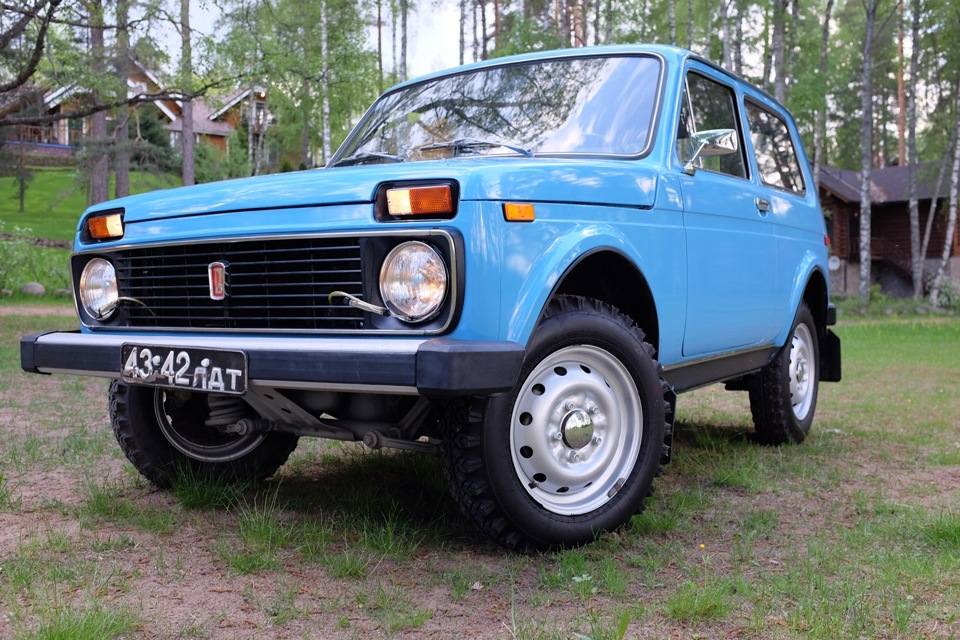 Продажа и замена переднего правого стекла ВАЗ-2121 (трехдверка)