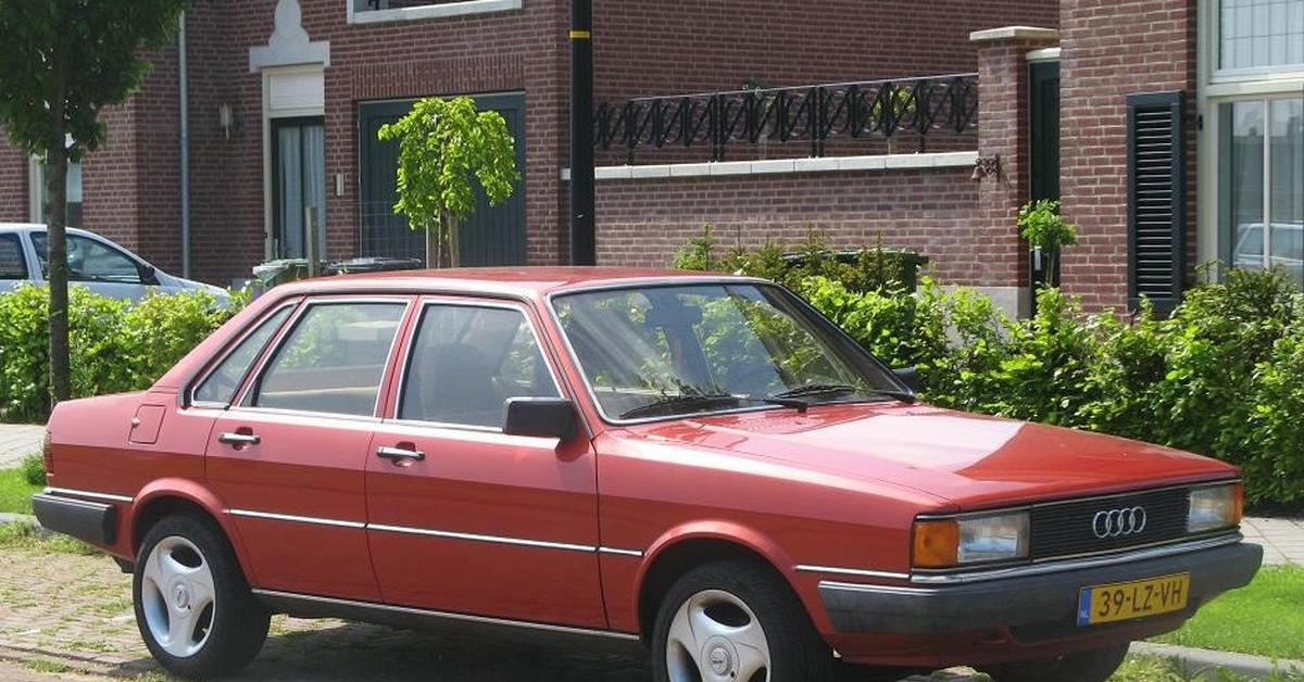 Продажа и замена заднего правого стекла Audi 80