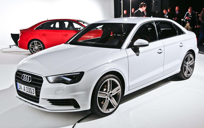 Продажа и замена переднего правого стекла Audi A3