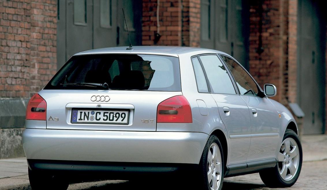 Продажа и замена заднего правого стекла Audi A3