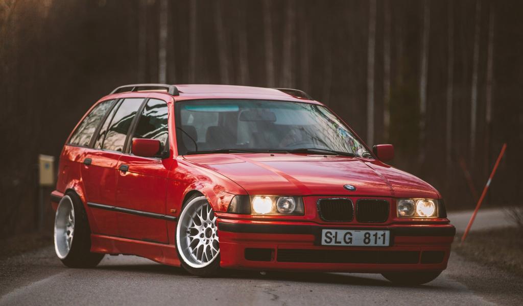 Продажа и замена заднего правого стекла BMW 3 E36