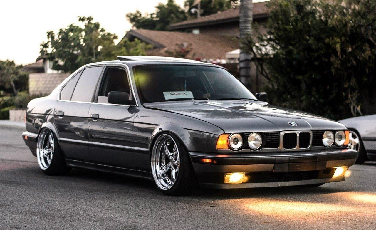 Продажа и замена переднего правого стекла BMW 5 E34