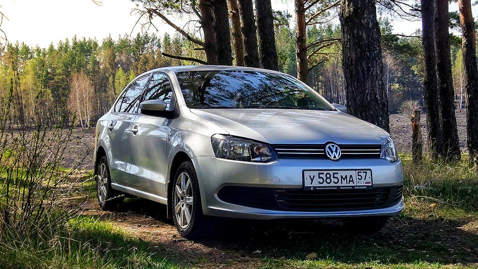 Лобовое стекло VW Polo Sedan 2010-