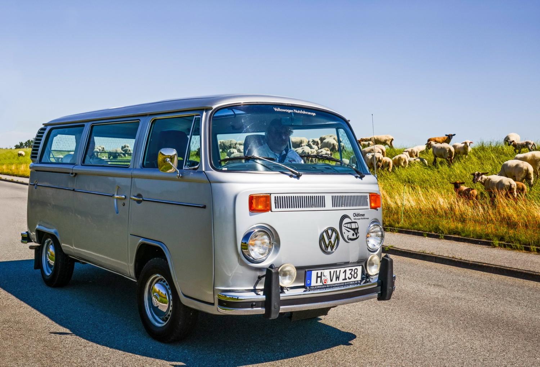 Лобовое стекло VW Transporter T2 в Уфе.