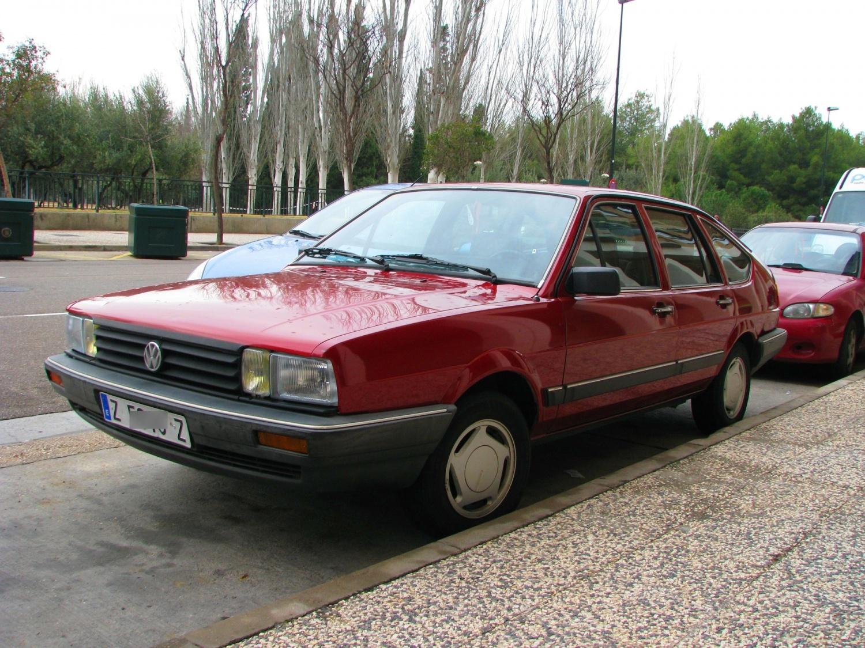 Лобовое стекло VW Passat B2