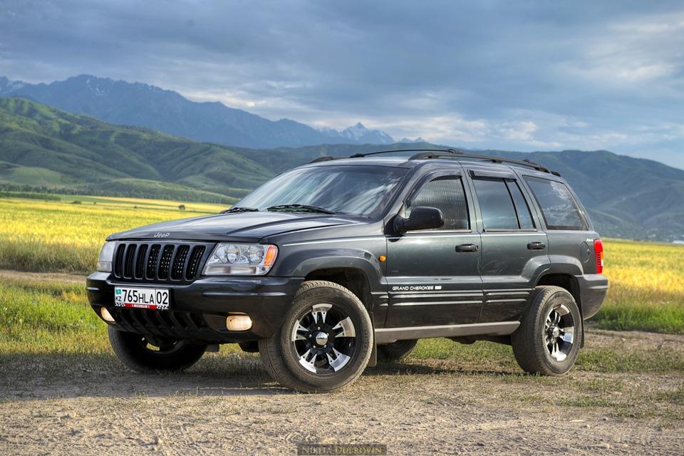Лобовое стекло на Jeep Grand Cherokee 2. Продажа и замена в Уфе.