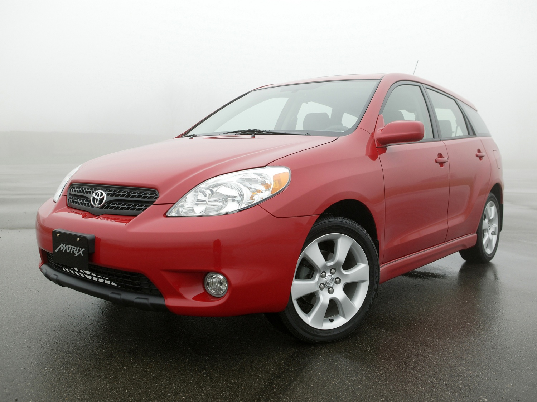 Лобовое стекло Toyota Matrix 1. Продажа и замена в Уфе.