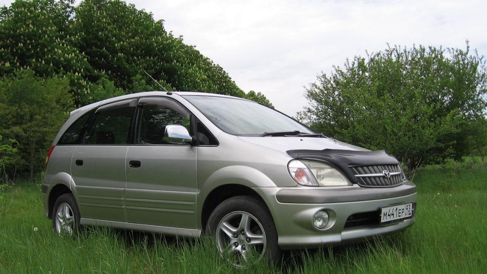 Лобовое стекло Toyota Nadia. Продажа и замена в Уфе.